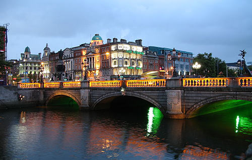 O'Connell bridge lit up at night